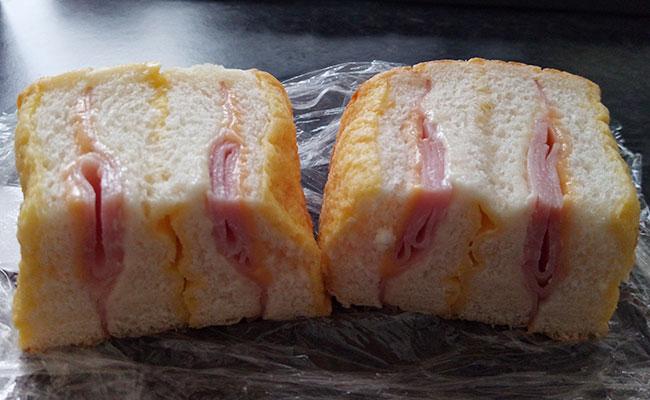 デイリーヤマザキ「フレンチトースト[ハムチーズ](130円)」断面