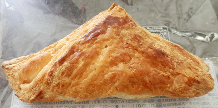ファミリーマート「牛肉の旨み豊かなミートパイ(150円)」