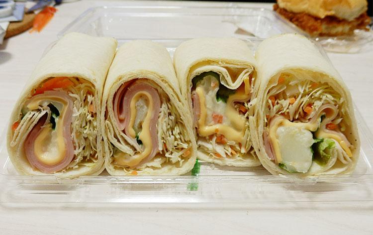 デイリーヤマザキ「トルティーヤ[スモーク&チーズ](430円)」