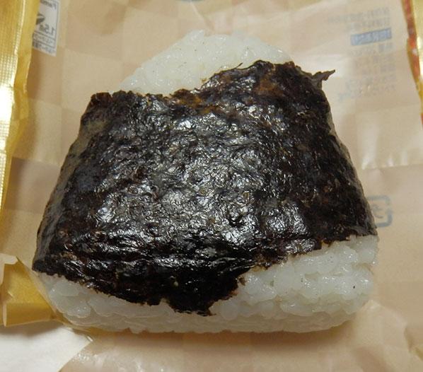 ファミリーマート「魚沼産コシヒカリ 厚切り中落ちカルビ(168円)」