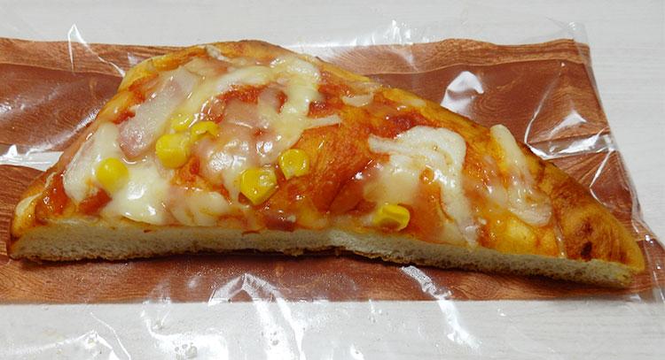 セブンイレブン「ふんわりピザパン(138円)」