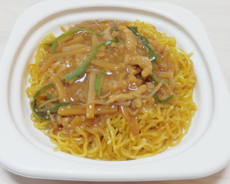 セブンイレブン「香ばし麺のチンジャオロース焼そば(498円)」