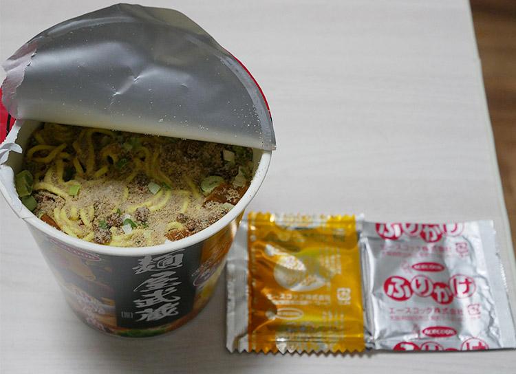 ローソン「麺屋武蔵監修 節鶏(ふしちょう)ら~麺」