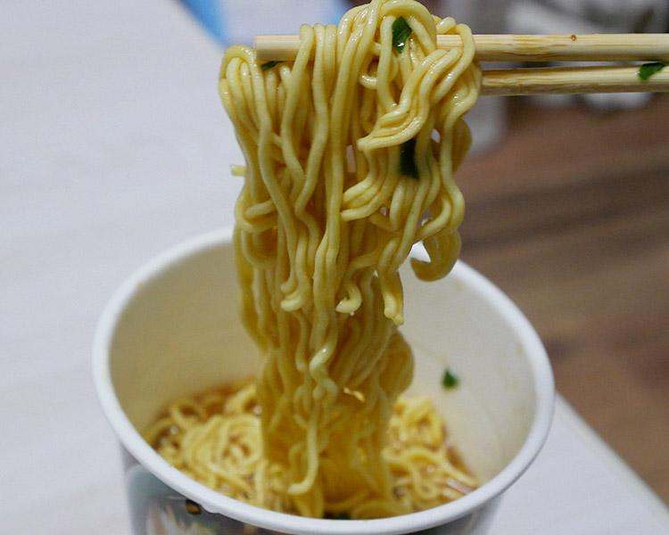 セブンイレブン「スープが決め手 ワンタン麺(138円)」セブンイレブン「スープが決め手 ワンタン麺(138円)」