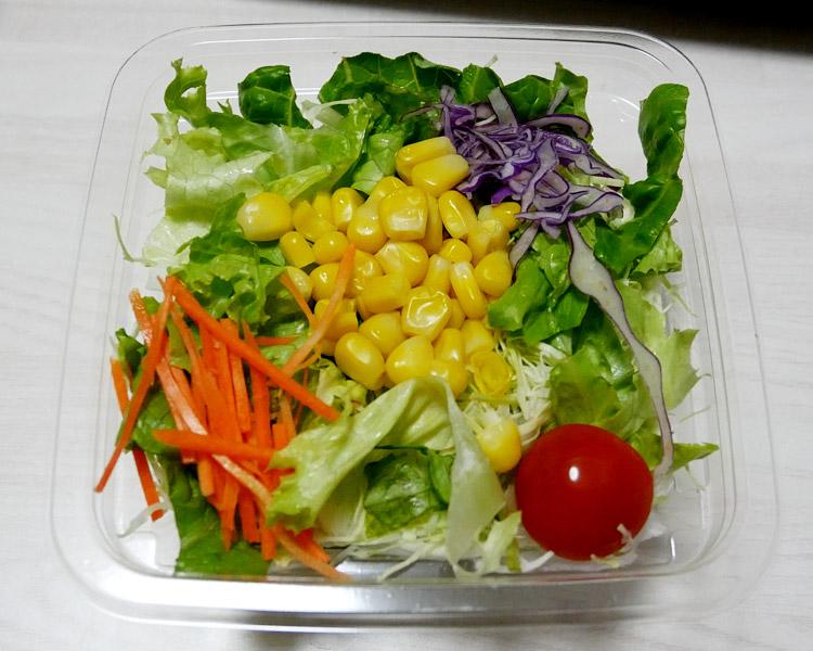 ファミリーマート「フレッシュ野菜サラダ(163円)」