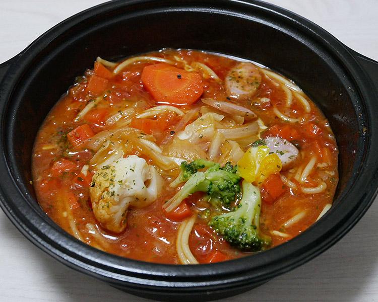 まいばすけっと「1/3日分野菜のトマトスープパスタ(321円)」