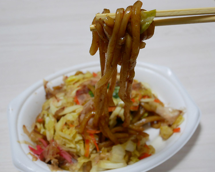 かつお節香る和風焼うどん(350円)