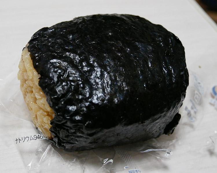 ファミリーマート「チャーシュー煮玉子おむすび(210円)」