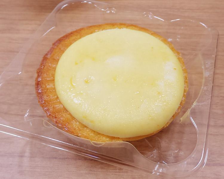 ファミリーマート「サクサク焼きチーズタルト(168円)」
