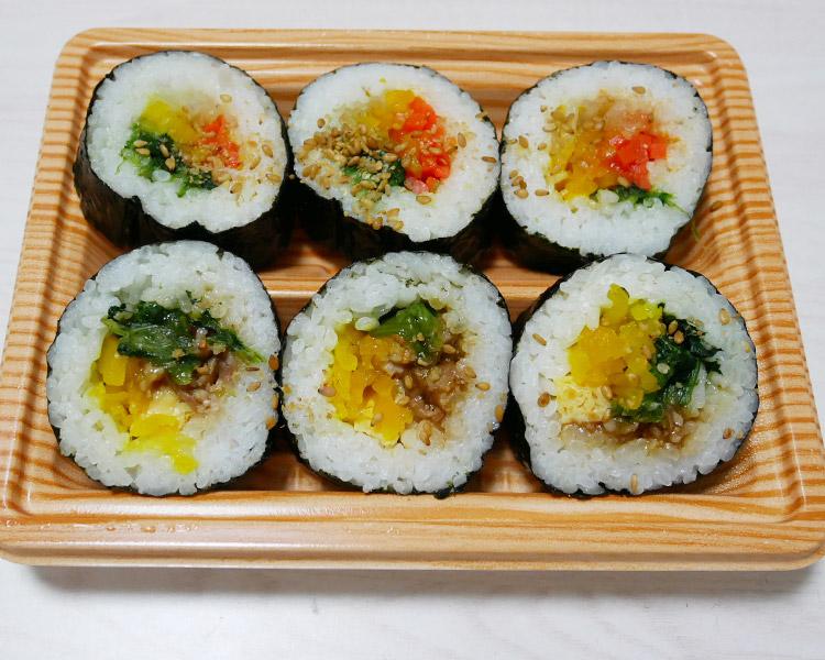 ファミリーマート「野菜を食べよう!キンパ[牛プルコギ巻&ナムル巻](348円)」