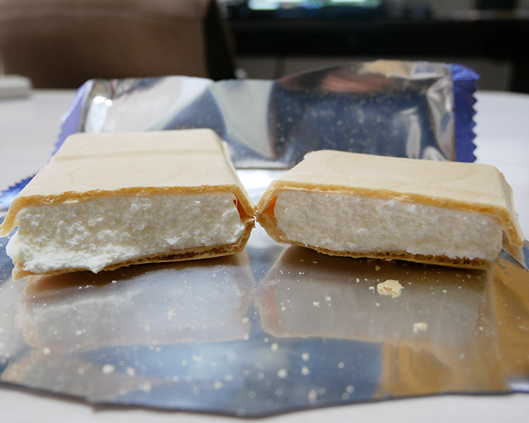 セブンイレブン「チーズモナカ(192円)」