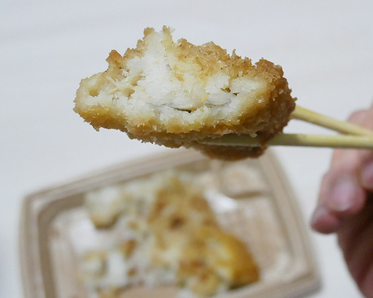 セブンイレブン「おかかたっぷり 海苔弁当[麦飯](398円)」