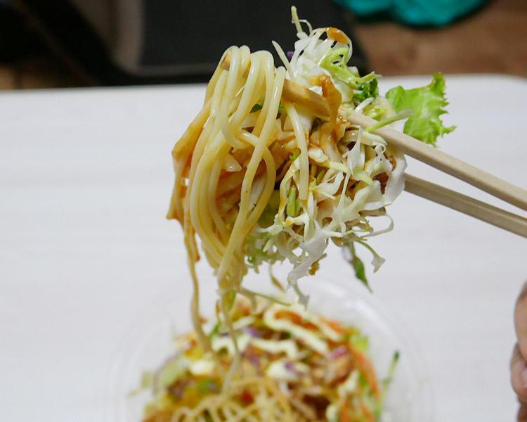 ファミリーマート「もりもり食べる!唐揚げパスタサラダ(420円)」