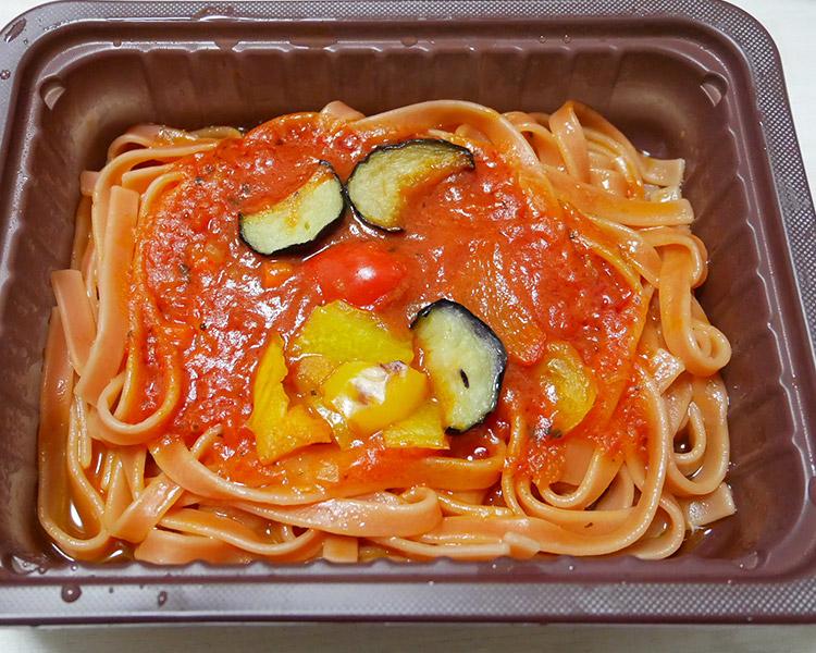 ローソン「冷凍食品 野菜を食べる生パスタ トマトソース(298円)」