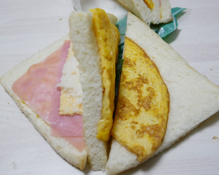 まいばすけっと「玉子焼きとチーズのトーストサンド(257円)」