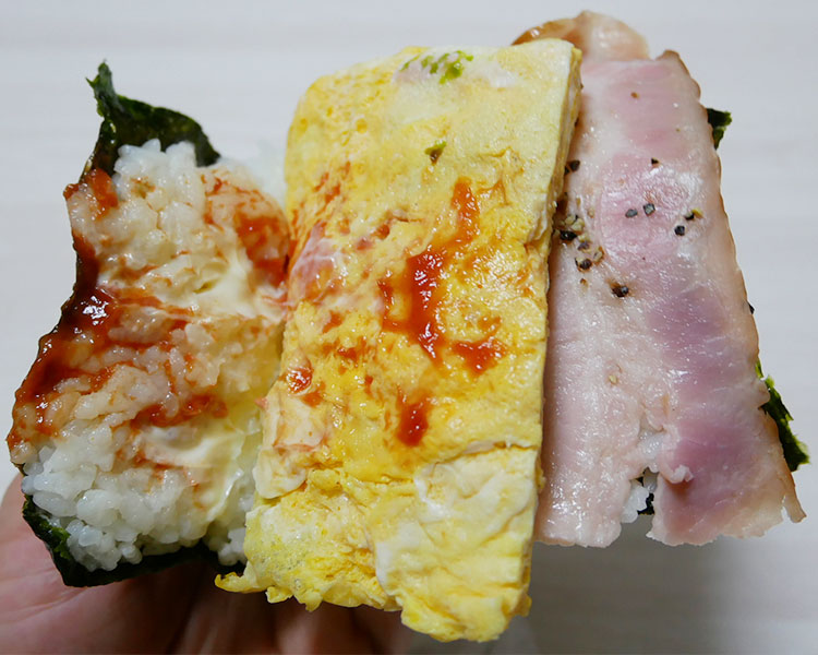 デイリーヤマザキ「サンドおむすび[ベーコンエッグ](238円)」