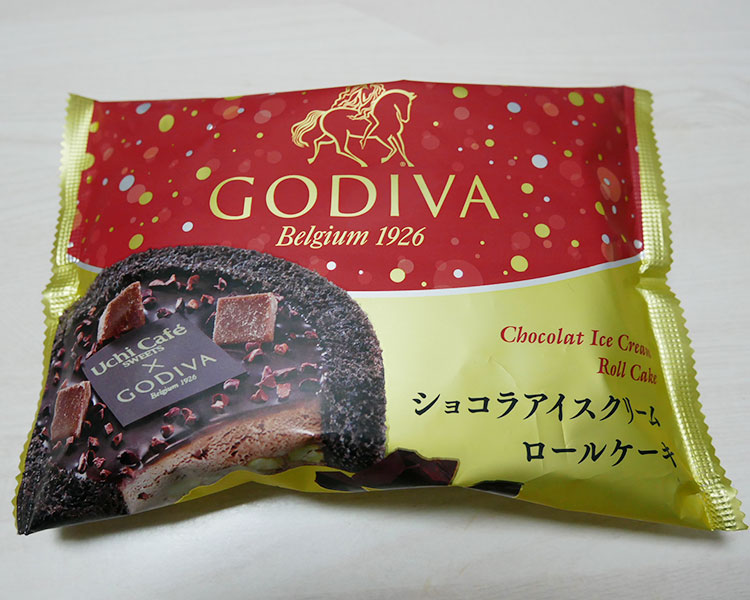 Uchi Café×GODIVA ショコラアイスクリームロールケーキ(380円)