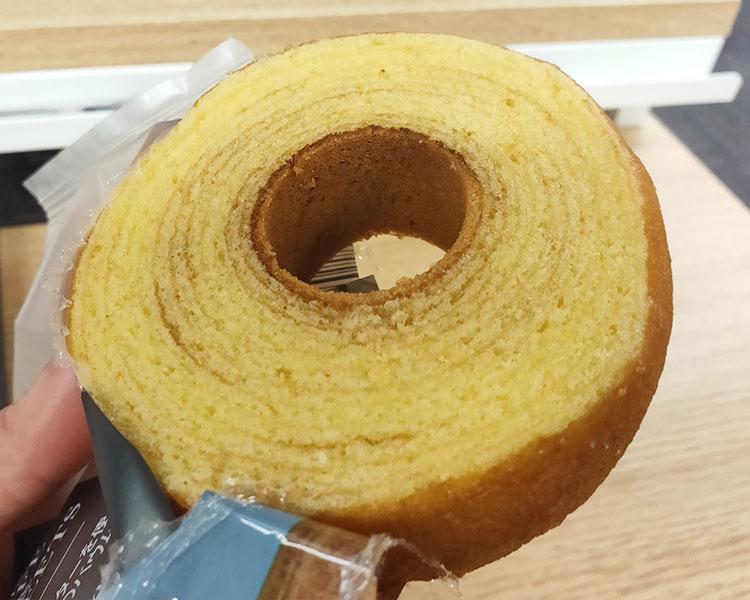 ファミリーマート「発酵バターを使ったこだわりのバウムクーヘン(128円)」