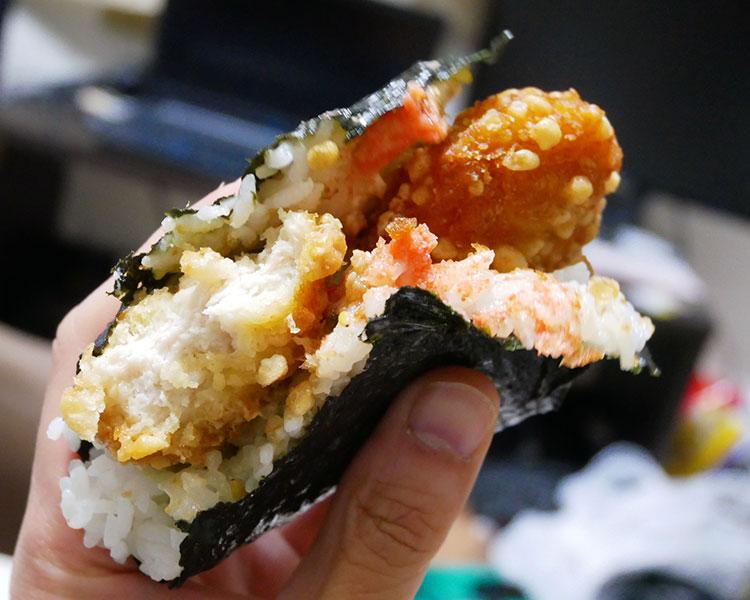 デイリーヤマザキ「サンドおむすび[明太高菜チキン](275円)」