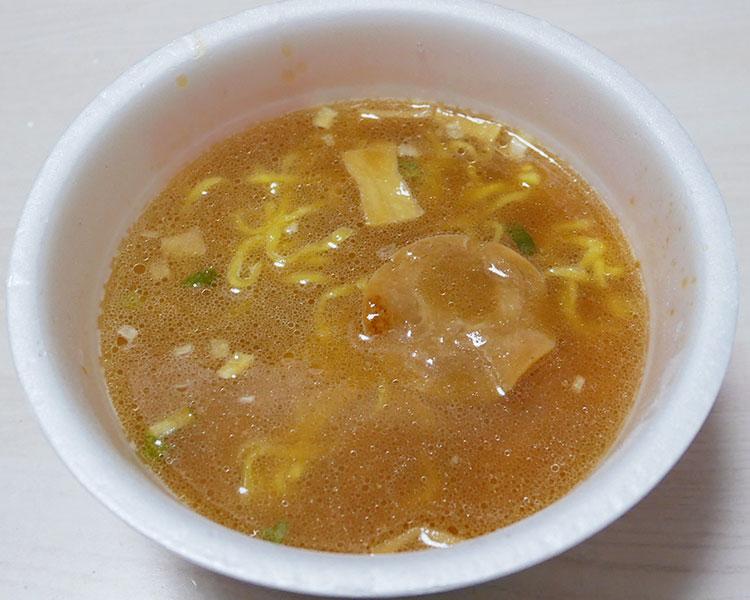 ファミリーマート「醤油とんこつラーメン(178円)」