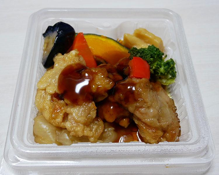 ローソン「16DELI 十六穀ごはんの鶏黒酢あん(498円)」