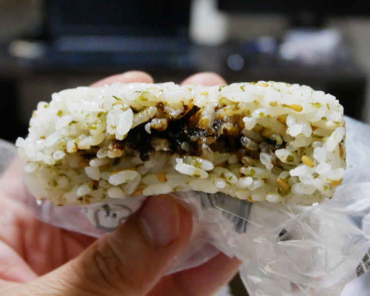 セブンイレブン「あおさ混ぜ飯 わさび海苔佃煮(129円)」