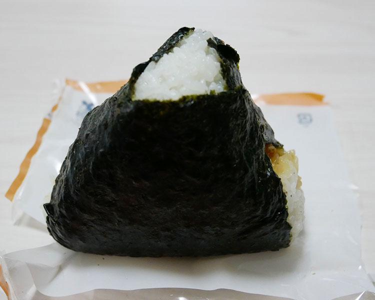 ローソン「鶏笑監修 大きなおにぎり 唐揚(198円)」